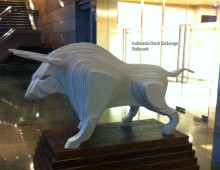 IDX Bullmark Statue